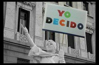 Yo decido - fonte: http://www.psoecaceres.com/es/actualidad/propuesta-de-actuacion-sobre-el-llamado-derecho-a-decidir/