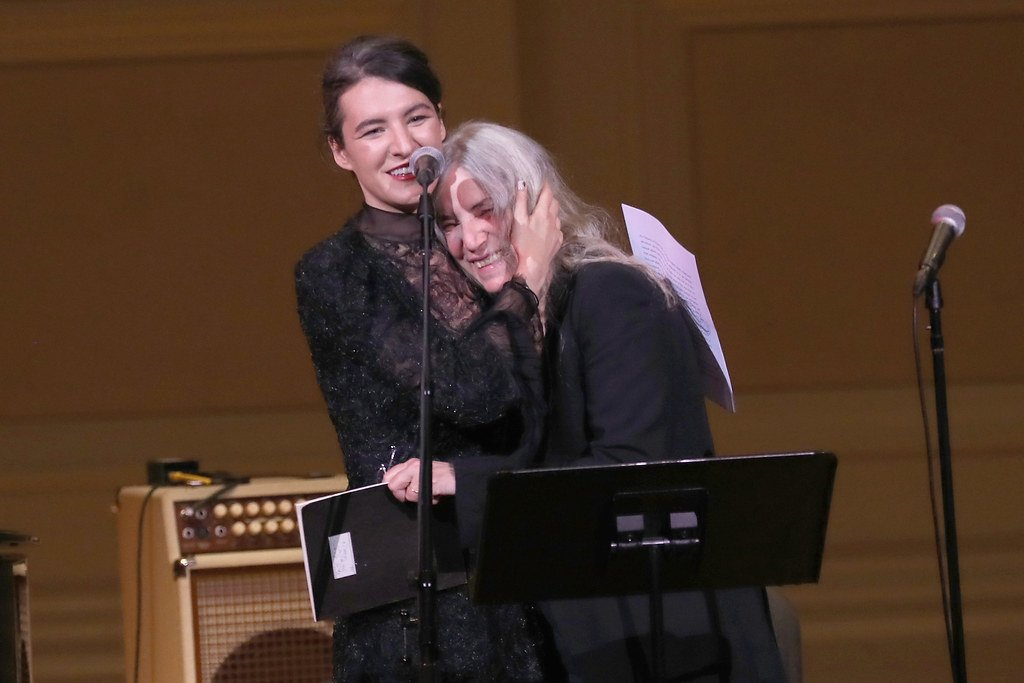 Jesse Paris Smith e Patti Smith dopo la performance al Teatro dell'Opera di Roma, 2017